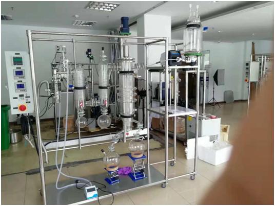 南京分子蒸馏仪AYAN-F100产品构造