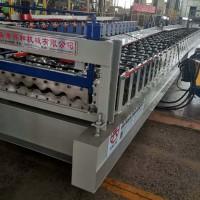 780彩钢压瓦机发往贵州  全自动墙面圆弧压型设备价格