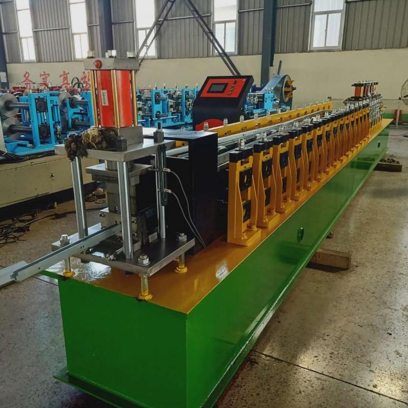 鸡笼骨架设备发往济宁 全自动鸡笼立柱压瓦机专业厂家兴和