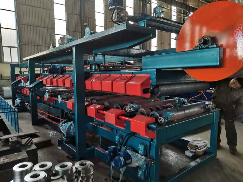 沧州泡沫岩棉两用复合板机生产线哪家好/泊头兴和复合板机厂家