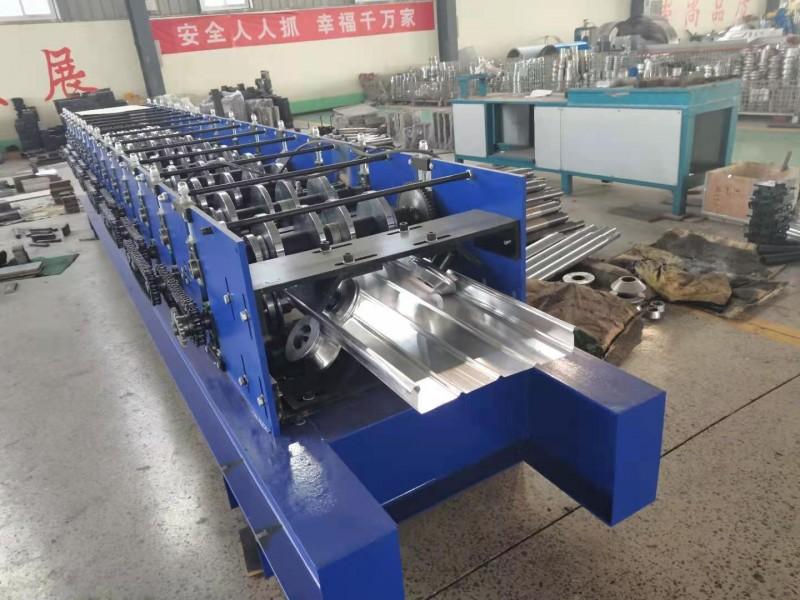 兴和机械厂家常年定做430铝镁锰角驰压瓦机