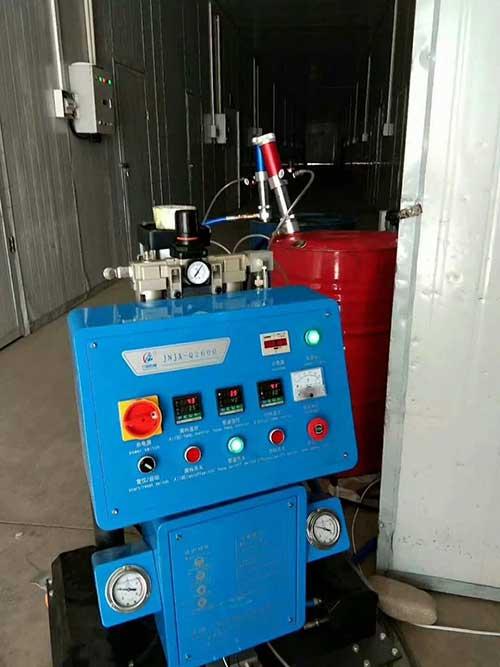 使用聚氨酯高压喷涂机实用技巧