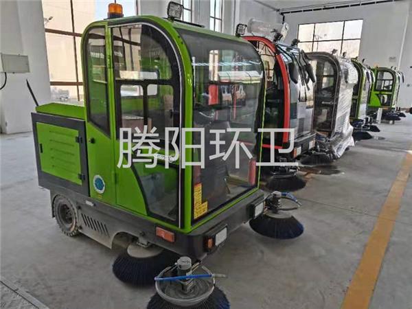 驾驶式扫地车适合清洁哪些地面